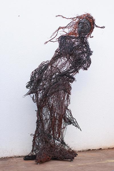 """museu olho latino """"Mulher de Ferro """" – Escultura e Gravuras de Tiago dos Santos Rego curadoria paulo cheida sans"""