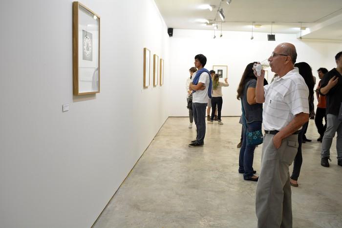 Vista parcial da abertura da mostra - foto de Natalia Malpartida